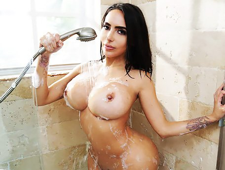 Watch Big booty sexy Latina Lela Star takes fat cock in her wet pussy video